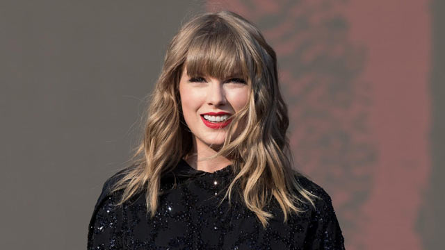 Taylor Swift Says She's Being Blocked From Singing Her Songs at Music Awards
