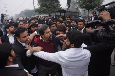 Lawyers Beat Fayyaz ul Hassan