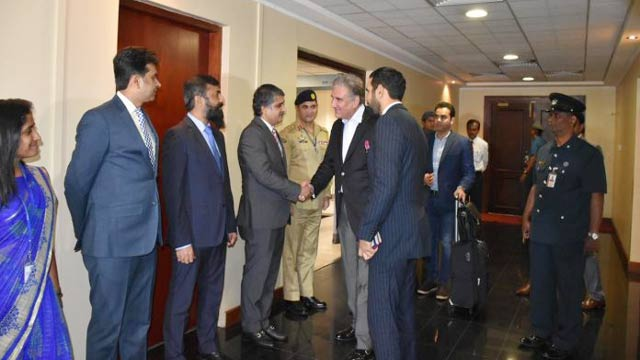 FM Qureshi Reaches Colombo With Special Message