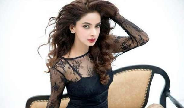 Enjoy the  Every Moment of Life: Saba Qamar