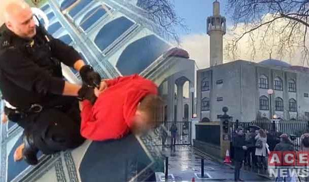 Knife Attack on 'Muazzin' at London Mosque