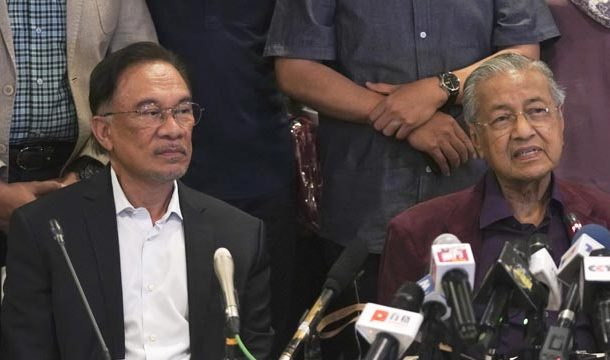 Mahatir Muahammad says He will Stand Again for PM