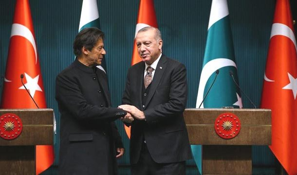 PM Imran Telephones Turkish President, Express Grief over Lives lost in Idlib Attack