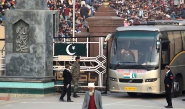 Stranded Pakistanis in India Return Home Via Wagah Border