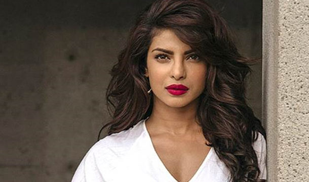 Priyanka Laughed When She Saw Her 20 Year Old Photos and Videos