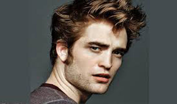 Robert Pattinson Reportedly has COVID-19 and the Batman has Halted Production