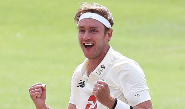 Recipients of Christmas Cards  will Not Include the Father's Name: Stuart Broad