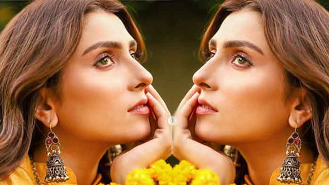 The New Look of Ayeza Khan Perfectly Narrates the Eastern Heritage Tale
