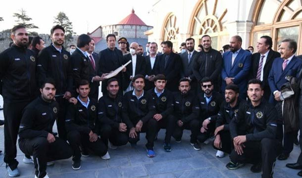 Afghan Cricket Team Presents Signed Bat to PM Imran Khan