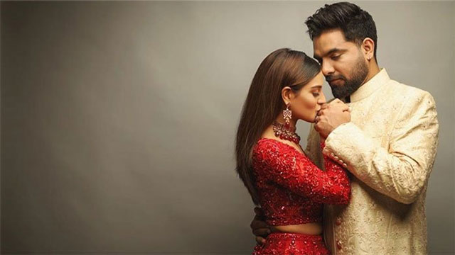 Iqra Aziz and Yasir Hussain Have Confirmed That They Will Soon Be Parents