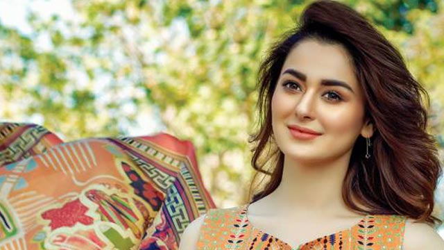 Hania Aamir Sings Pi Jaun, In Love With Her Melodious Voice