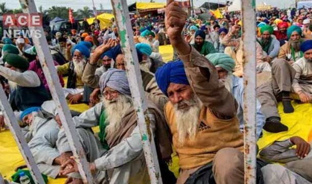 Protesting Indian Farmer Committed Suicide at Delhi Border