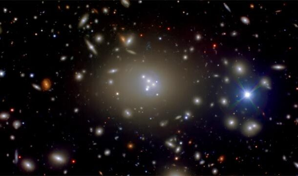 Hubble Picture of Cluster of Galaxies-Abell 3827