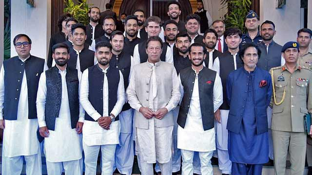 PM Imran Khan Advised National Squad to Break the Idol of Money and Play for Respect